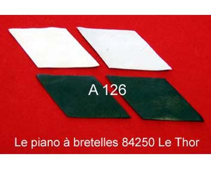 A126 - Basane de soufflet blanc