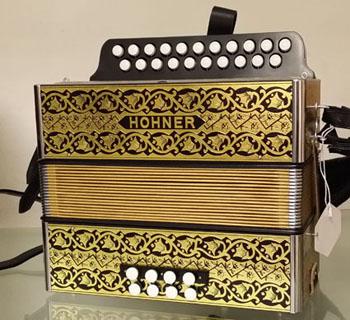 Location accordéon modèle Hohner